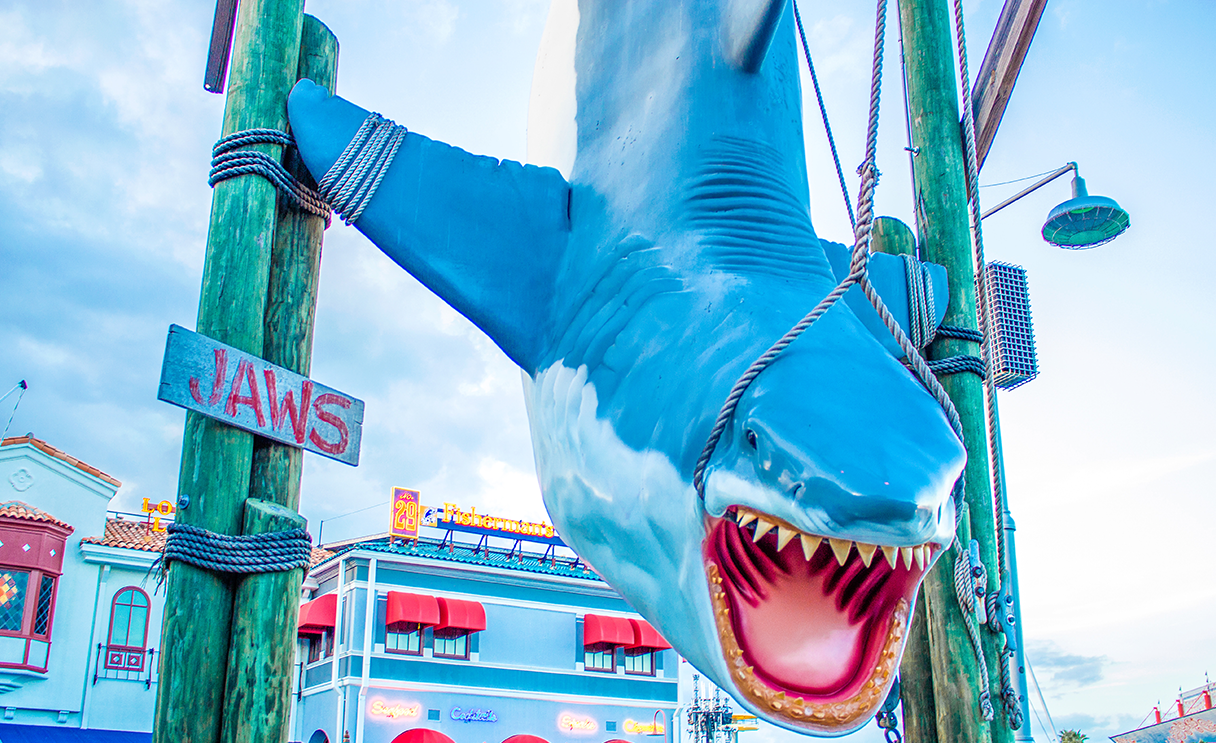 Jaws Statue